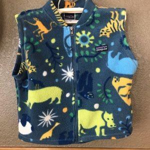 Patagonia 3T fleece full zip vest animal pattern